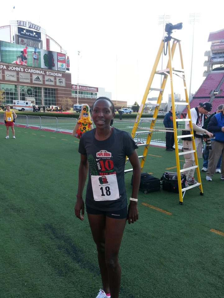 marian-kandie-papa-johns-10-miler-female-winner